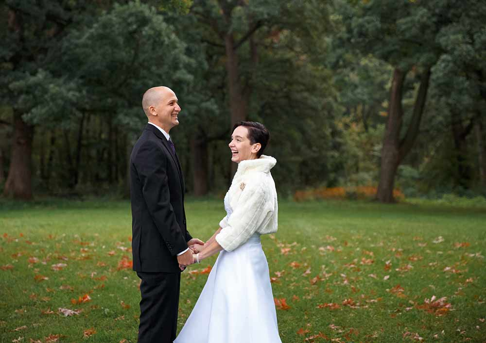 Financial Planner Sue Peck & Husband Nathan on wedding day